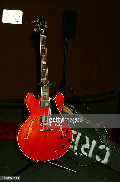 Gibson ES335TDC Crossroads Guitar Collection Eric Clapton and friends for the Crossroads Center