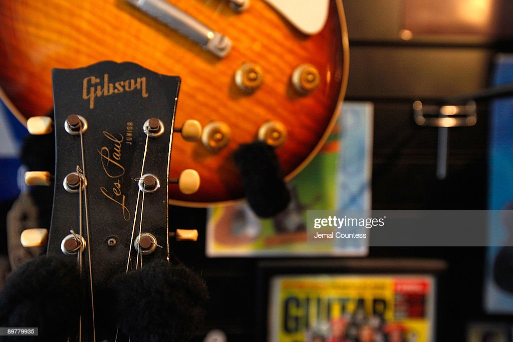 Les Paul Is Remembered In New York City : News Photo