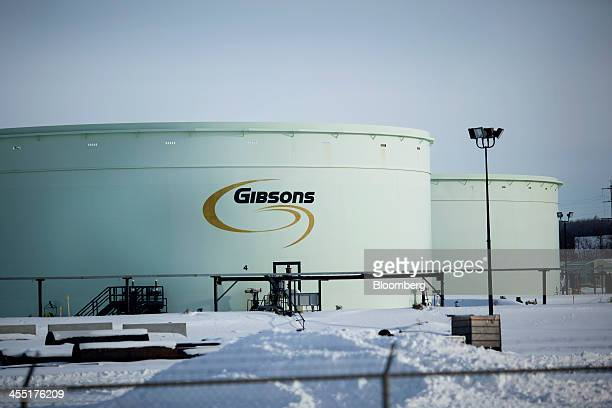 A Gibsons Energy Inc oil tank stands at the Hardisty tank farm which includes the TransCanada Corp Hardisty Terminal 1 in Hardisty Alberta Canada on...