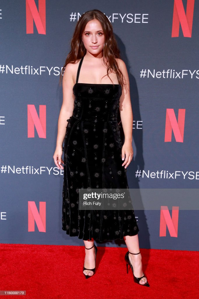 Netflix FYC Event: Prom Night Photo Call : News Photo