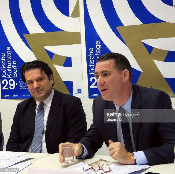 Gideon Joffe Sänger Andrej Hermlin vl aufgenommen auf der Pressekonferenz zur Vorstellung des Programms der Jüdischen Kulturtage in der Synagoge in...