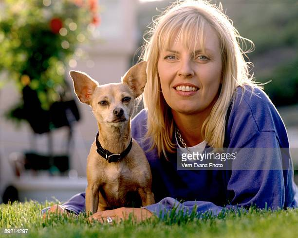 *EXCLUSIVE ACCESS* Gidget the Taco Bell dog and her owner Sue Chipperton pose during a photo session in May 1998 in Canyon Country California Gidget...