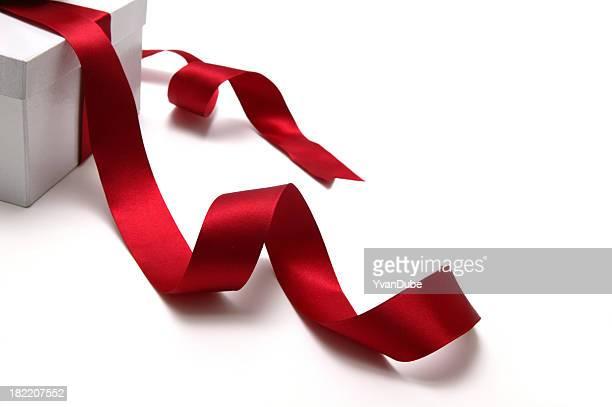 Boîte cadeau et ruban (w (Tracé de détourage