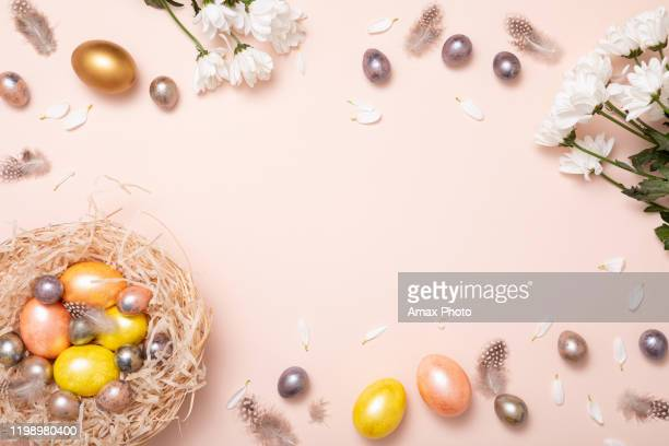 gift card with colorful easter eggs on pink background for banner design. beautiful spring card. happy easter concept. - happy easter in russian stock pictures, royalty-free photos & images