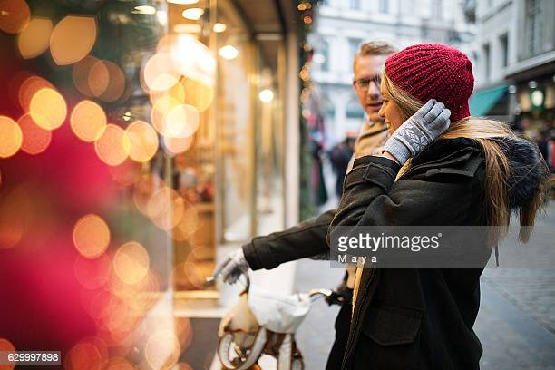 gift her what she really wants - brussels capital region stock pictures, royalty-free photos & images