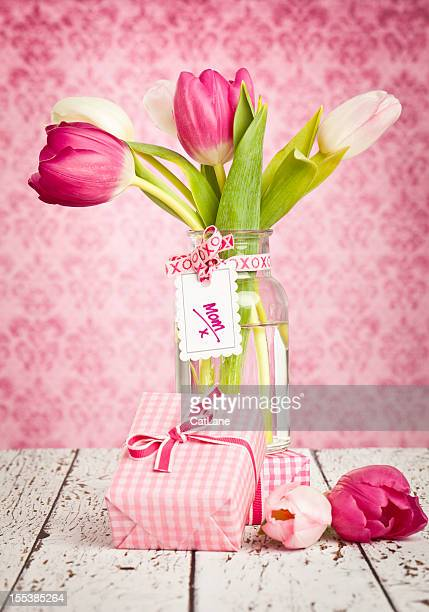 gifts for mother's day or birthday - mothers day card stock pictures, royalty-free photos & images