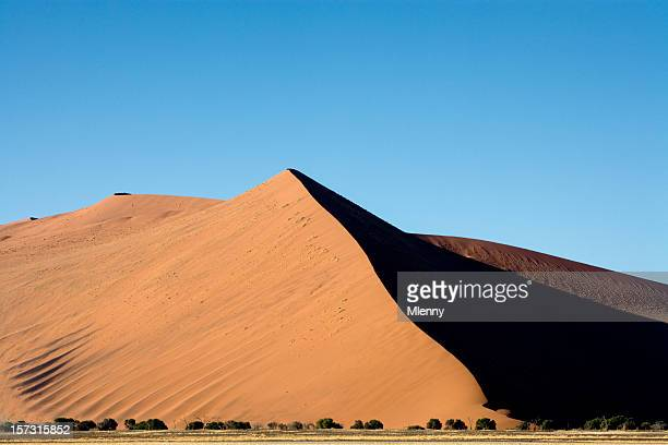 gigantic desert sand dunes nambia sossusvlei - mlenny stock pictures, royalty-free photos & images
