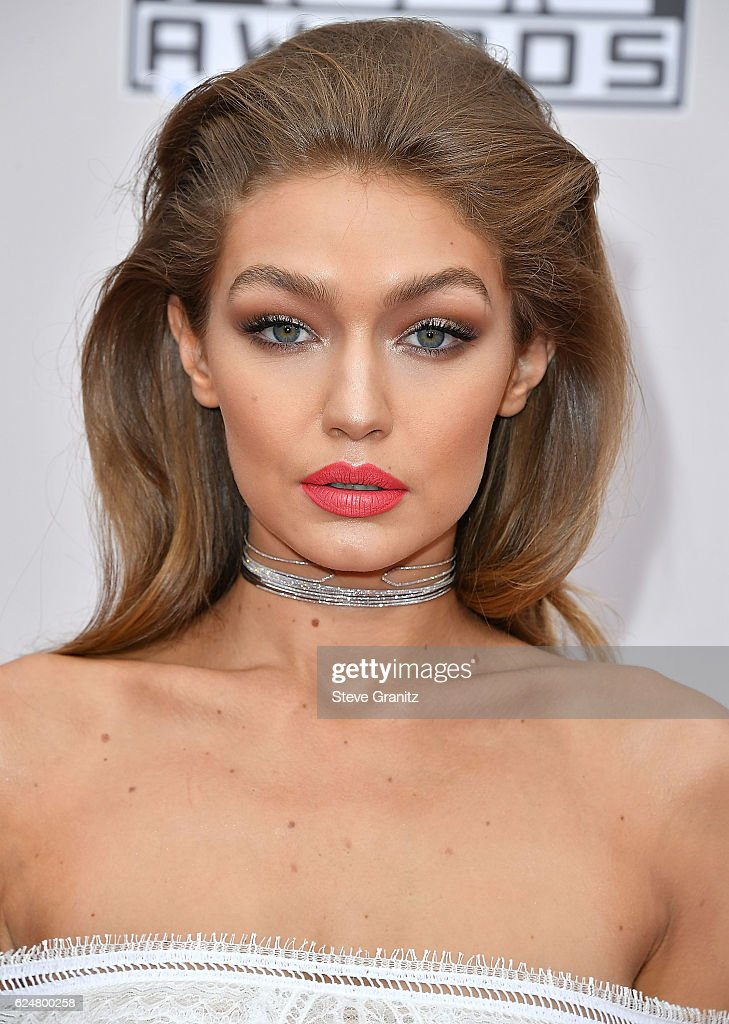 Gigi Hadid arrives at the 2016 American Music Awards at Microsoft Theater on November 20, 2016 in Los Angeles, California.
