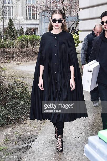 Gigi Hadid is seen arriving at Giambattista Valli Fashion show during Paris Fashion Week Womenswear Fall Winter 2016/2017 on March 7 2016 in Paris...