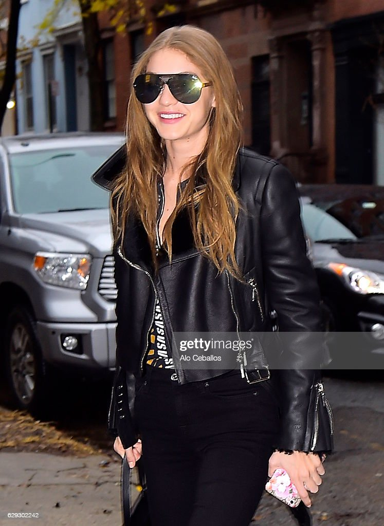 Celebrity Sightings in New York City - December 12, 2016 : Nachrichtenfoto