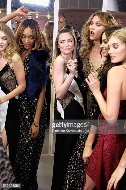 Gigi Hadid Jourdan Dunn Jaime King Karlie Kloss Irina Shayk Elsa Hosk pose wearing Diane Von Furstenberg Fall 2016 during New York Fashion Week on...
