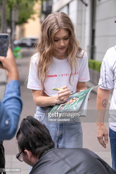 Gigi Hadid meets fans as she arrives back at hotel on November 16 2018 in Sydney Australia
