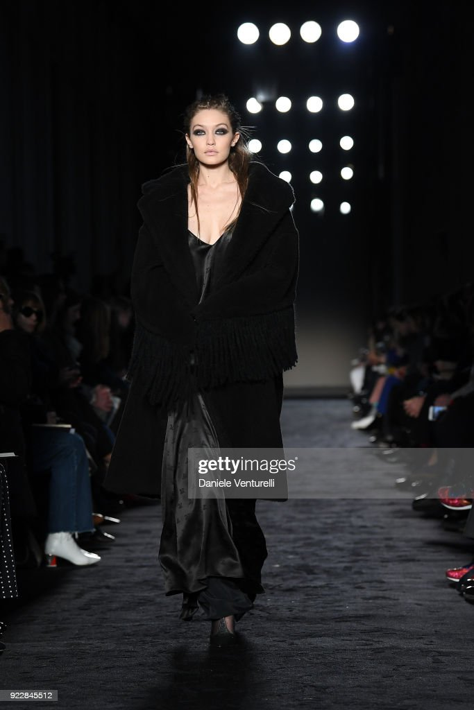 Max Mara - Runway - Milan Fashion Week Fall/Winter 2018/19
