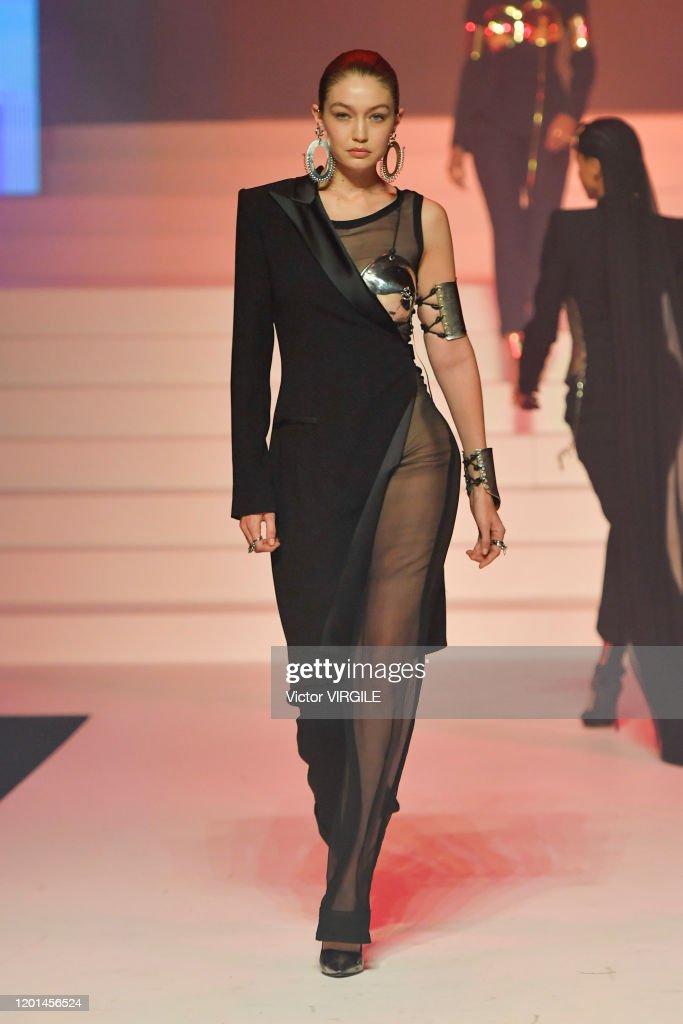 Jean-Paul Gaultier : Runway - Paris Fashion Week - Haute Couture Spring/Summer 2020 : News Photo