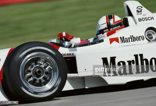 Gil de Ferran of Brazil drives the Team Penske Reynard 2KI Honda HRK during practice for the Championship Auto Racing Teams 2000 FedEx Championship...