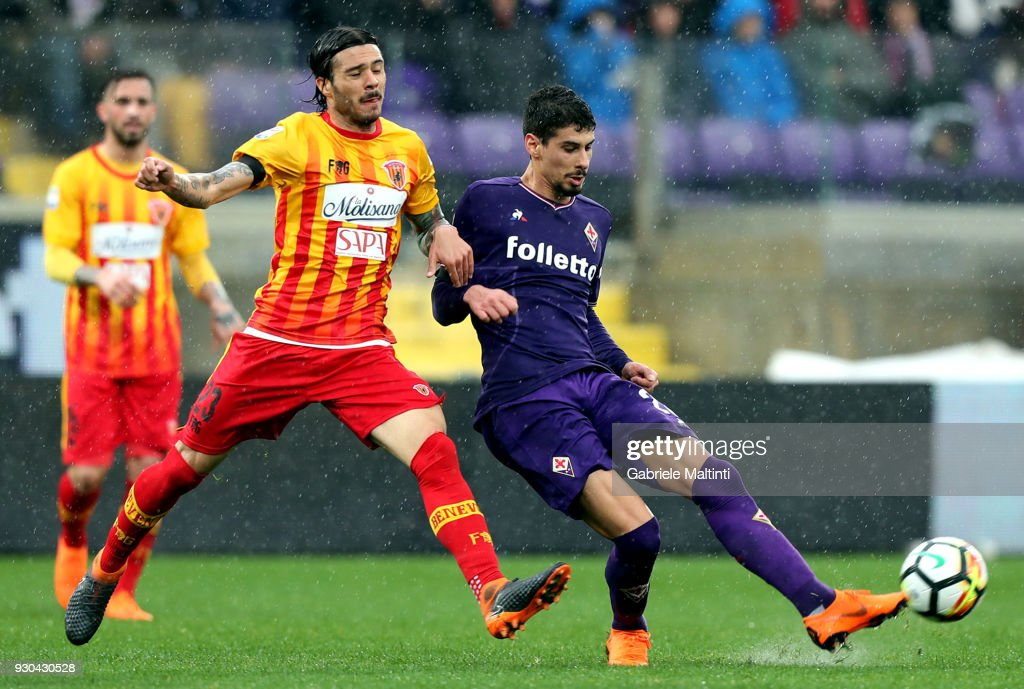 Gil Dias of ACF Fiorentina in action during the serie A match between ACF Fiorentina and Benevento Calcio at Stadio Artemio Franchi on March 11, 2018 in Florence, Italy.