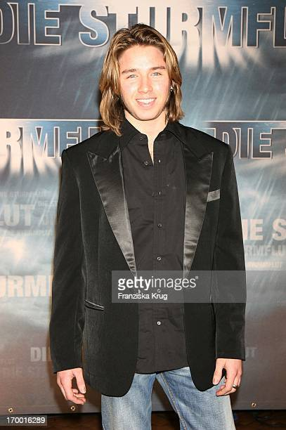 """Gil Ofarim at The Premiere Of Rtl two-parter """"The Flood 'The Curio House in Hamburg 310106."""
