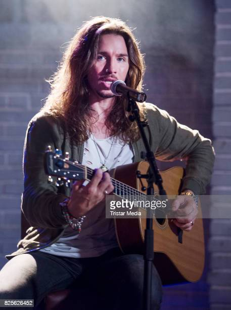 Gil Ofarim during the set visit of the RTL Series 'Alles was zaehlt' on August 2 2017 in Cologne Germany