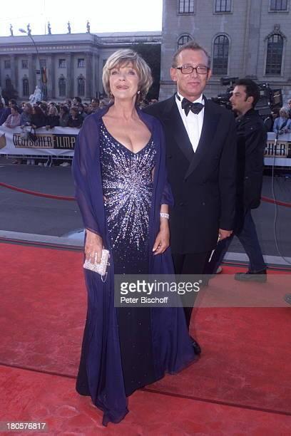 Gila von Weitershausen Ehemann Dr Hartmut Wahle Verleihung vom Deutschen Filmpreis 2001 Berlin