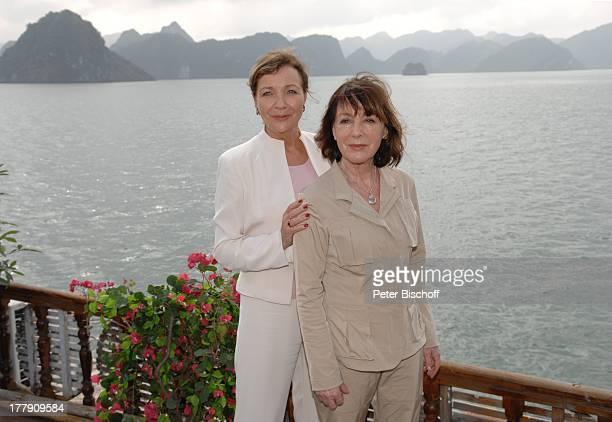 Gila von Weitershausen Heidelinde Weis Dreharbeiten zur ZDFReihe Traumschiff Folge 58 Vietnam Episode Lange nicht gesehen Asien Meer Schauspielerin...