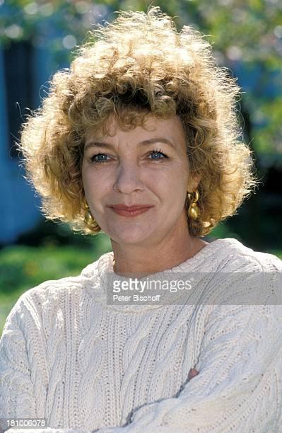 Gila von Weitershausen Portrait Geburtstag 21 März 1944 Sternzeichen Widder Porträt Schauspielerin Promis Prominente Prominenter