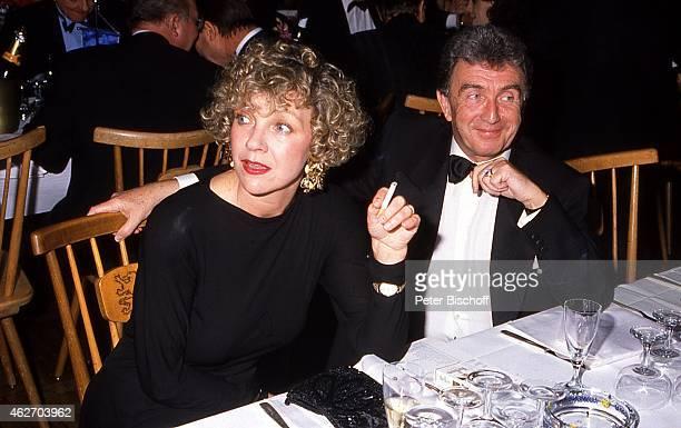 Gila von Weitershausen Rolf von Sydow Mathäser Filmball 1989 am in München Deutschland