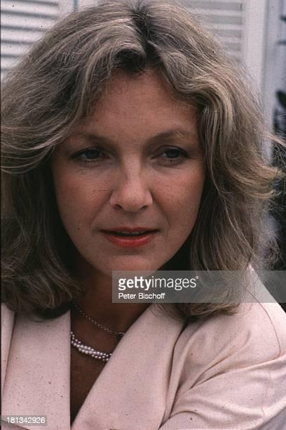 Gila von Weitershausen Schauspielerin Portrait Porträt geb 21 März 1944 Sternzeichen Widder Promis Prominente Prominenter