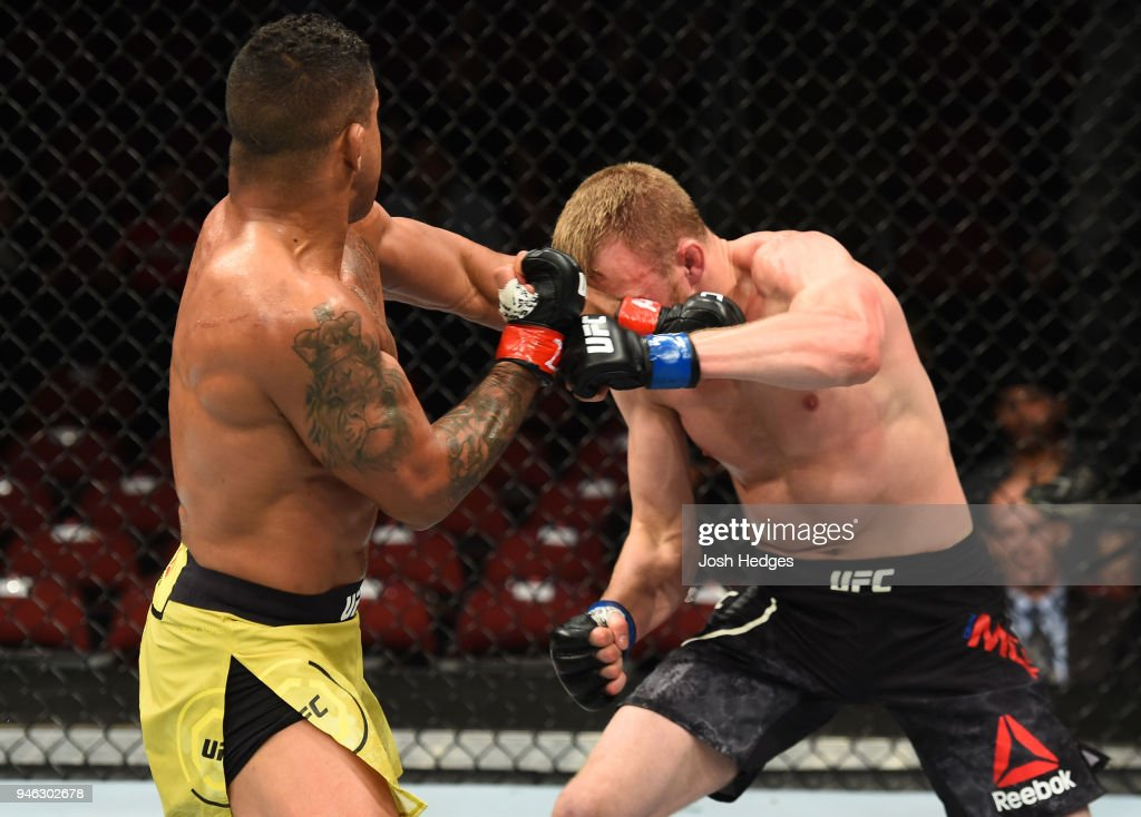 UFC Fight Night: Burns v Moret : Fotografía de noticias