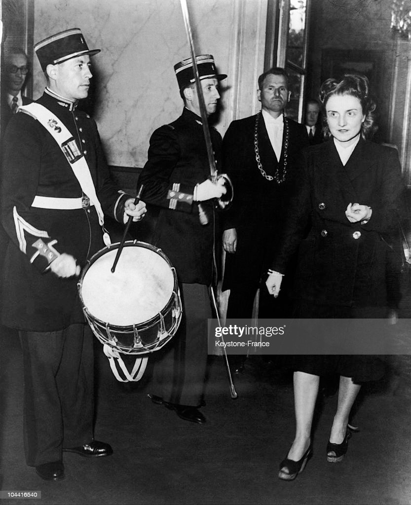 Gilberte Brossolette, Vice-President Of The Council Of The Republic (Which Replaces The Senate In The Fourth Republic) Is Received Officially At The Luxembourg Palace In Paris, April 29, 1947.In The Absence Of Gaston Monnerville President Of The Council : News Photo
