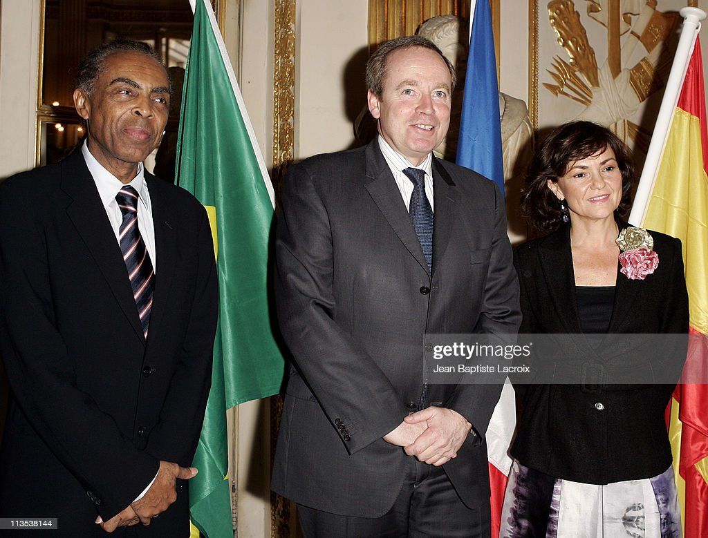 "French Minister of Culture Celebrates ""The Year of Brazil"" in France"