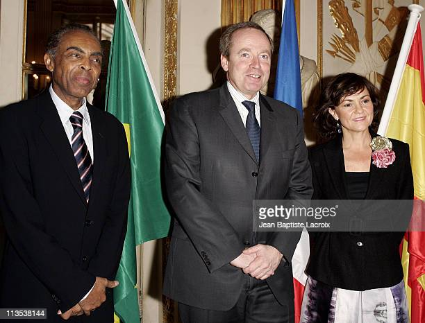 Gilberto Gil Brazilian Minister of Culture Renaud Donnedieu de Vabres French Minister of Culture and Carmen Calvo Spanish Minister of Culture