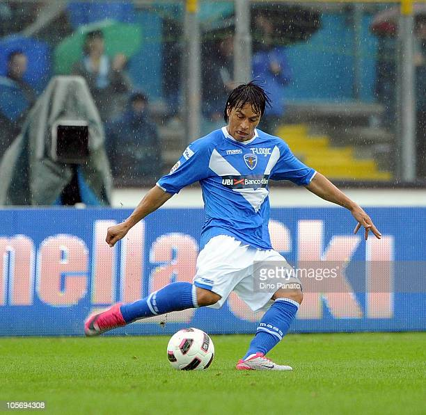 Gilberto Martinez of Brescia in action during the Serie A match between Brescia Calcio and Udinese Calcio at Mario Rigamonti Stadium on October 17...