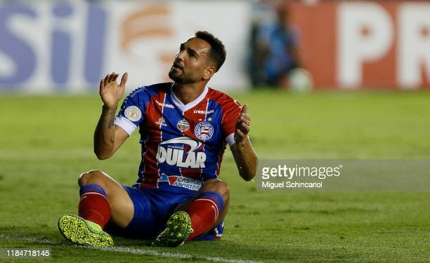 Gilberto of Bahia reacts during a match between Santos and Bahia for the Brasileirao Series A 2019 at Vila Belmiro Stadium on October 31, 2019 in...