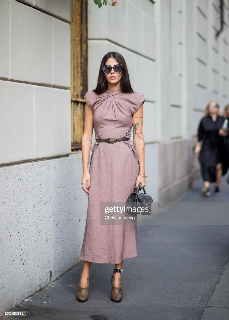 Street Style: September 23 - Milan Fashion Week Spring/Summer 2018 : News Photo