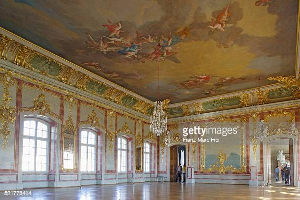 gilded hall in rundale palace in latvia - ballroom stock pictures, royalty-free photos & images