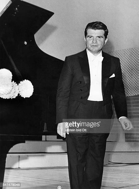 Gilels Emil *Pianist UdSSR Portrait nach einem Auftritt im Konzertsaal der Hochschule fuer Musik in Berlin 1965