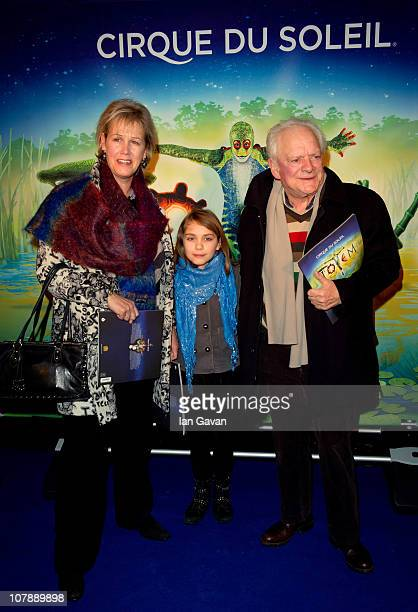 Gill Hinchcliffe David Jason and their daughter attend the Cirque du Soleil UK Premiere of 'Totem' at the Royal Albert Hall on January 5 2011 in...