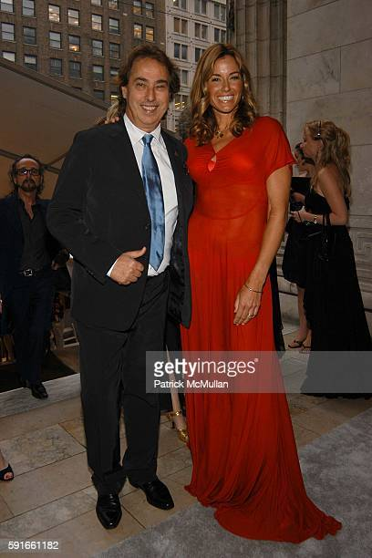 Gilles Dufour and Kelly Bensimon attend The 2005 CFDA Fashion Awards at The New York Public Library on June 6 2005 in New York City