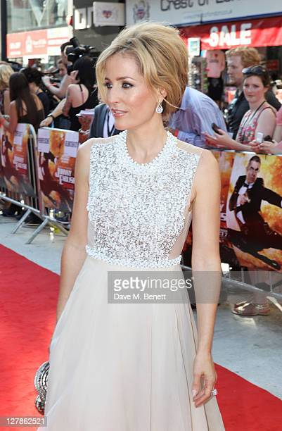 Gillian Anderson arrives at the UK Premiere of 'Johnny English Reborn' at Empire Leicester Square on October 2, 2011 in London, England.