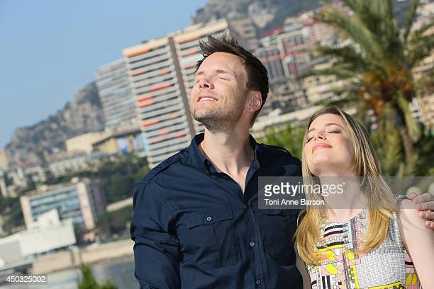 Gillian Jacobs and Joel McHale attend 'Community' photocall at the Monte Carlo Beach Hotel on June 9 2014 in MonteCarlo Monaco