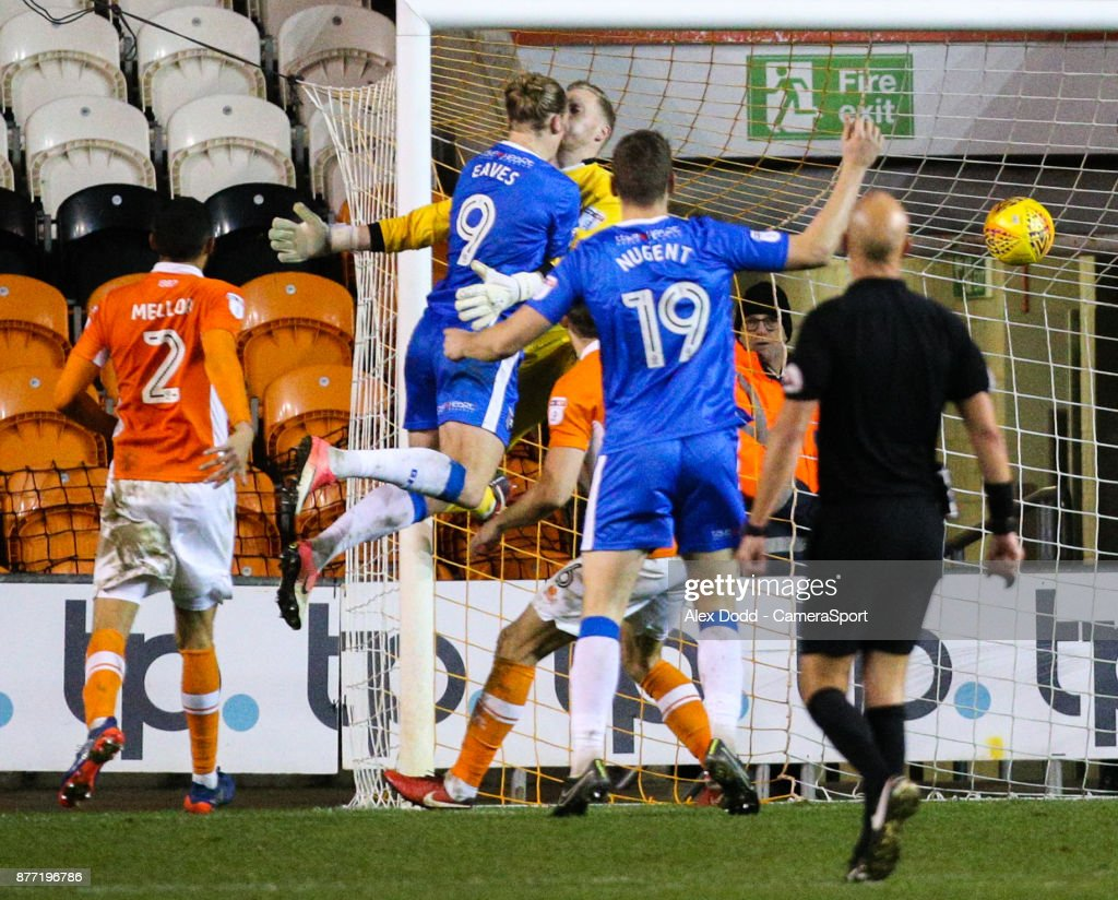 Gillingham's Tom Eaves beats Blackpool's Ryan Allsop to score his side's equalising goal during the Sky Bet League One match between Blackpool and Gillingham at Bloomfield Road on November 21, 2017 in Blackpool, England.
