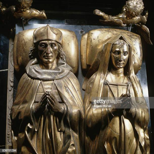 Giltbronze tomb effigies of King Henry VII and Elizabeth of York in Henry VII's Chapel in Westminster Abbey The head and shoulders of the piece by...