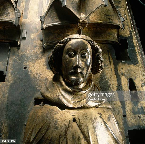 A giltbronze tomb effigy of King Richard II in Westminster Abbey The effigies were made after his queen Queen Anne of Bohemia died in 1395 by...
