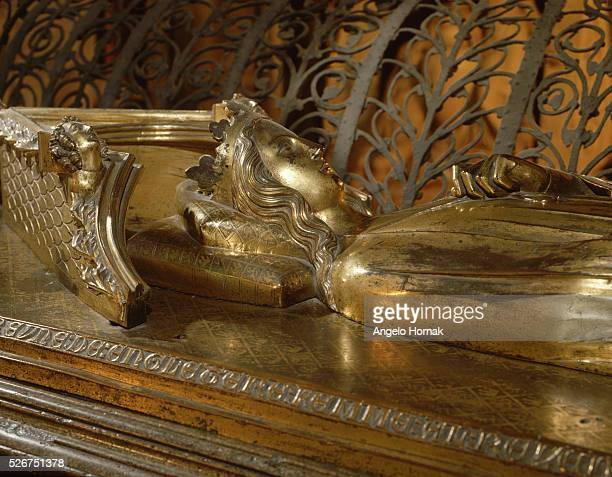 A giltbronze tomb effigy of Queen Eleanor of Castile on her tomb in Westminster Abbey | Detail of Tomb Effigy of Eleanor of Castile