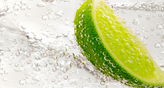 Gin and Tonic with lime - gettyimageskorea