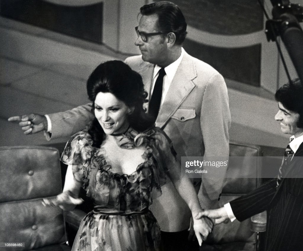 Taping of gina lollobrigida and william holden during taping of the dick cavett show june publicscrutiny Image collections