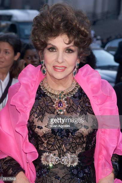 Gina Lollobrigida arrives at Michael Jackson 30th Anniversary Celebration The Solo Years at Madison Square Garden in New York City 9/7/2001 Photo...