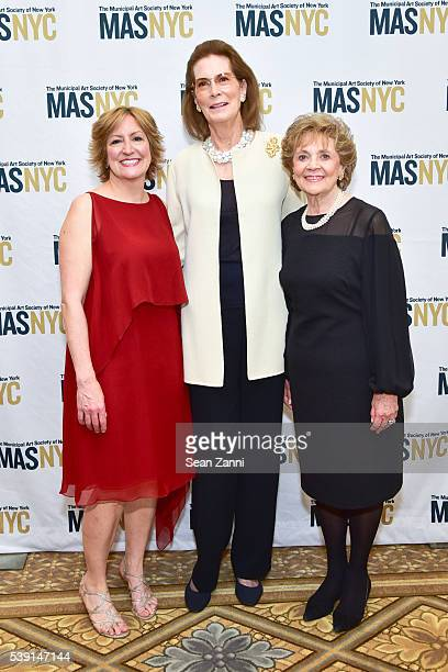 Gina Pollara Mrs Franklin D Roosevelt Jr and Matilda Cuomo attend The Municipal Art Society of New York 2016 Jacqueline Kennedy Onassis Medal at The...