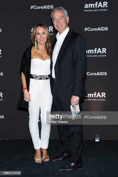 Gina Satnick and Lane Satnick pose during the amfAR gala dinner at the house of collector and museum patron Eugenio López on February 5 2019 in...