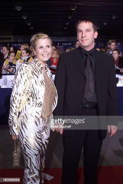 Gina Wild Name folgt PreisverleihungEcho 2001 der deutsche MusikpreisBerlin ICC Preis der DeutschenPhonoAkademie Foyer roter Teppich